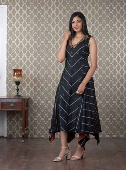 Black A-Line Cotton Sleeveless Kurti Dress