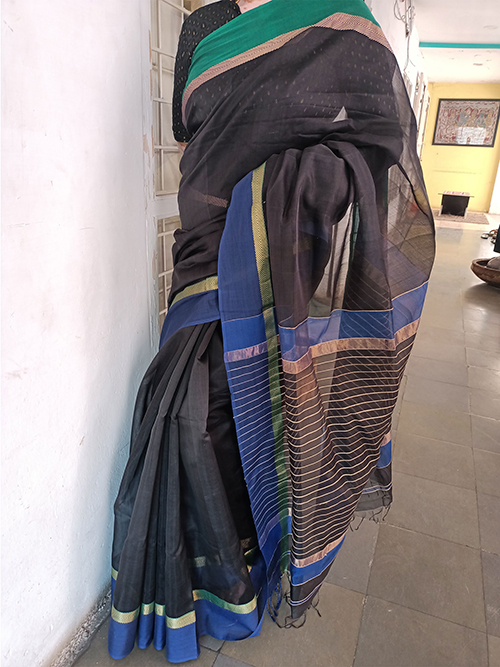 Black maheshwari saree with Ganga Jamuna borders and jute lines in pallu