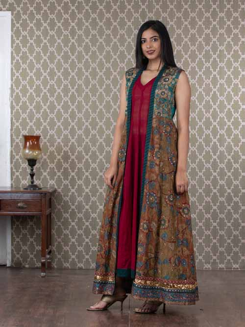 Maroon Cotton Two Piece Sleeveless Coat Style Kurti Dress
