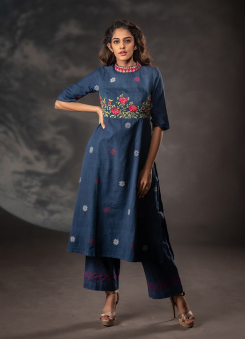 Natural Dyed Kurti with Thread and Sequins Embroidery and Parallel Pants