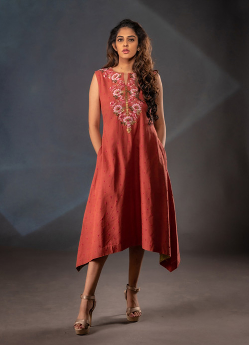 Natural Dyed Sleeveless Hand Embroidery Kurti Dress with Side Pockets